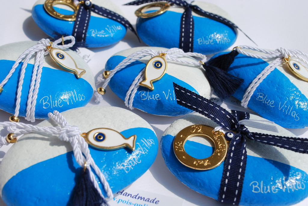 Blue Villas Gift hand-painted rocks