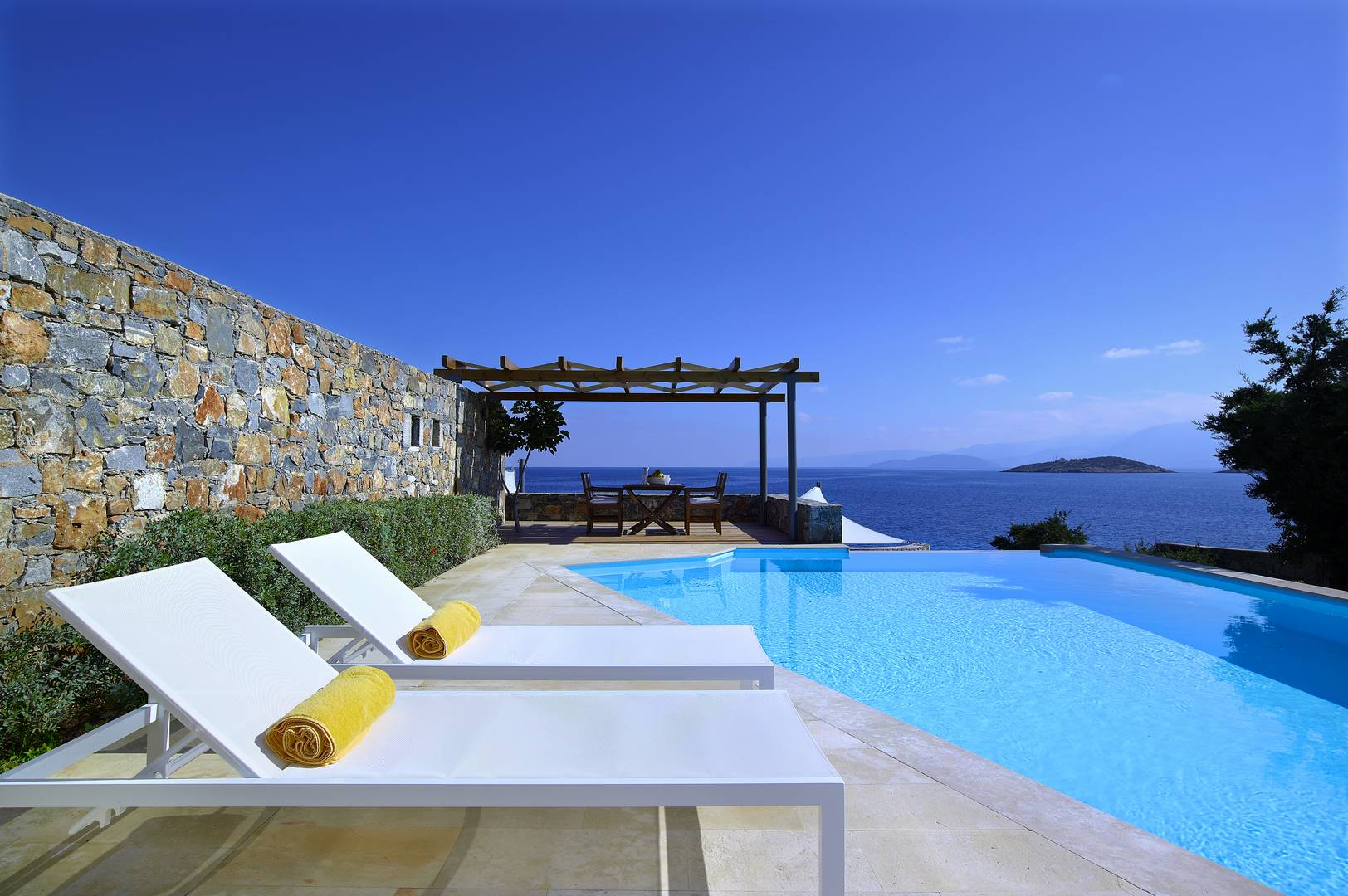 Helios Villa In Crete