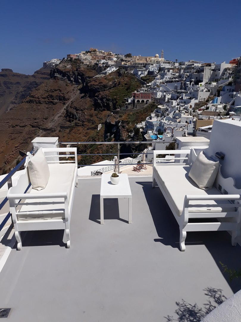 la maison 1809 villa in santorini. Black Bedroom Furniture Sets. Home Design Ideas