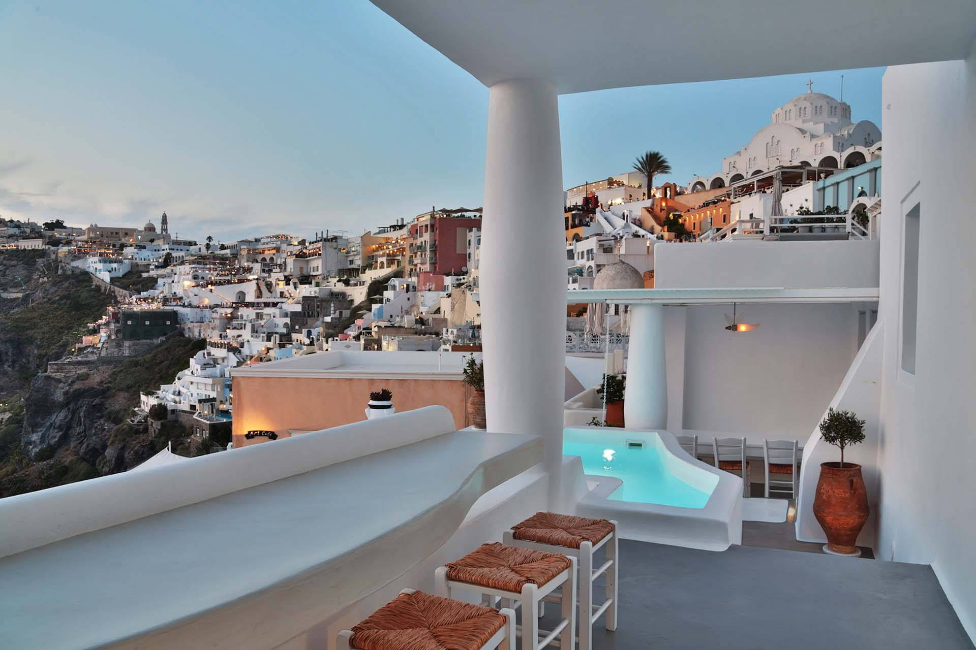 Santorini luxury villa Armelle in Fira