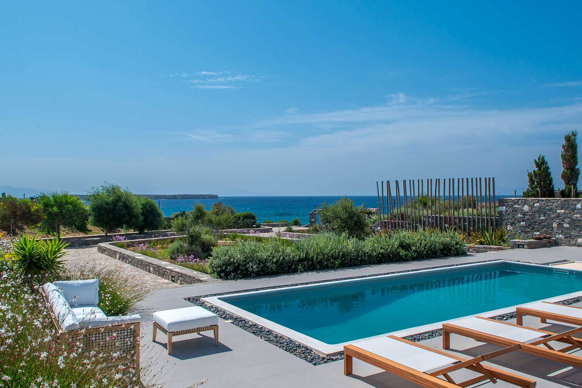 Paros luxury villa Dryos III in Chryssi Akti