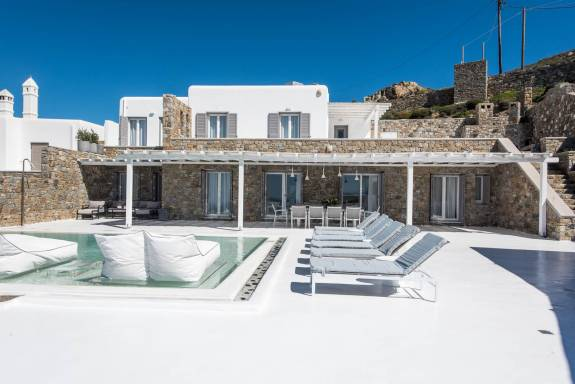 Mykonos luxury villa Dama in Fanari