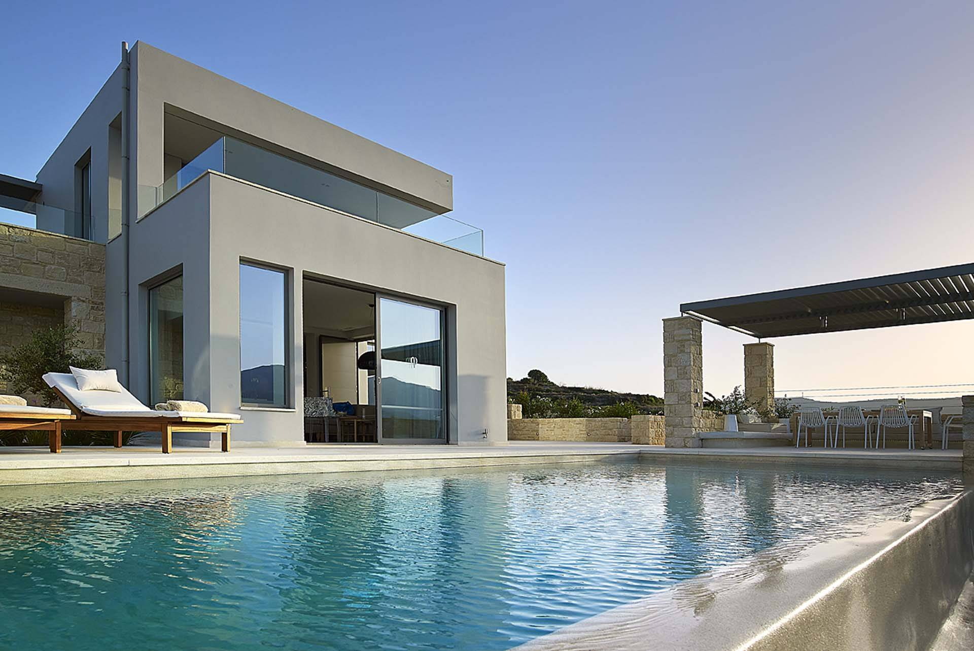Crete luxury villa Sea Breeze in Kissamos