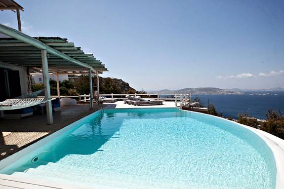 Mykonos luxury villa Cyanis in Tourlos