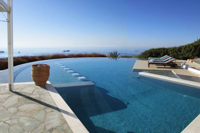 Paros luxury villa Aesop in Agios Arsenios