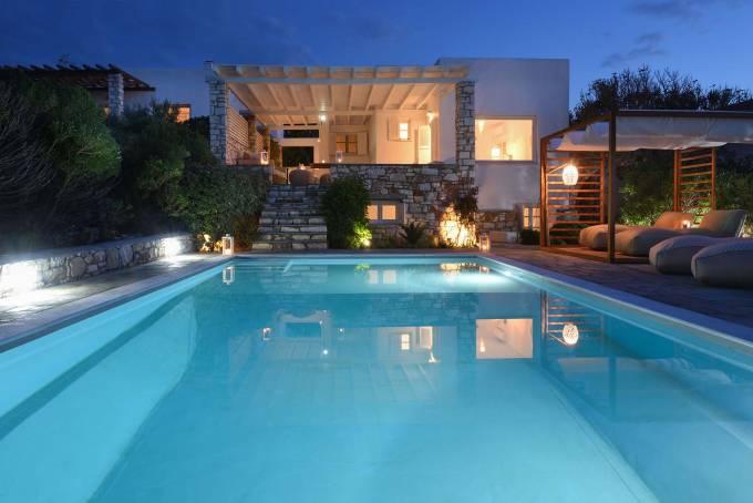 Paros luxury villa Zefyros in Ambelas
