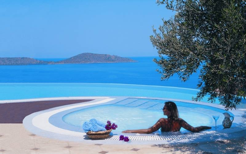5 luxury Crete villas with jacuzzi