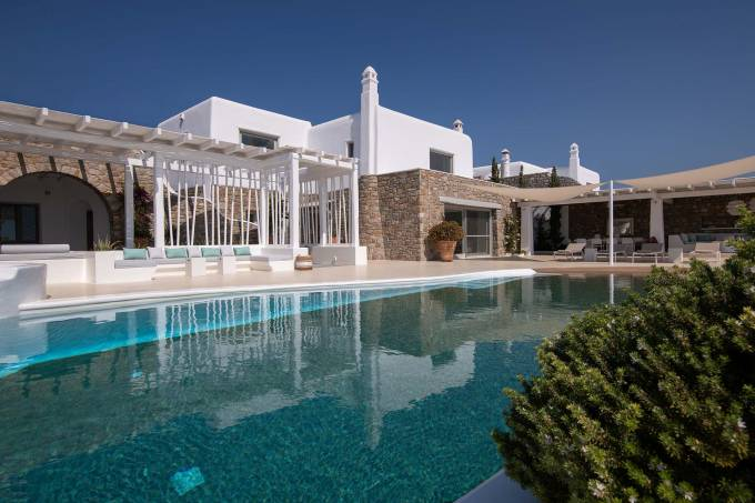 Mykonos luxury villa Eternity in Aleomandra