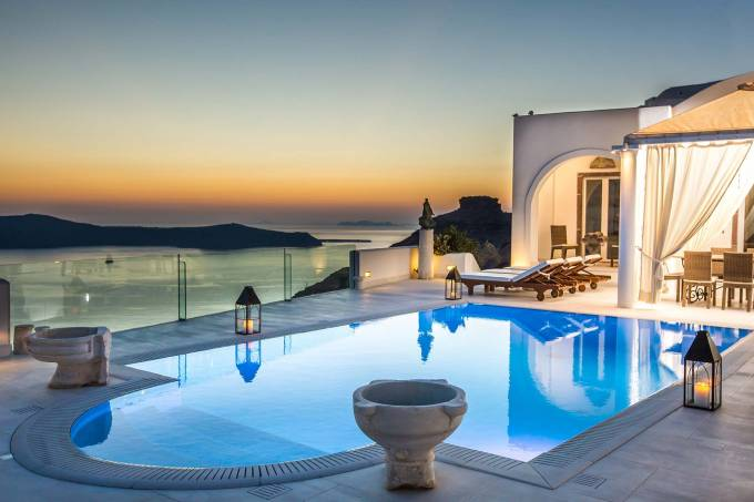 Santorini luxury villa Tc in Firostefani