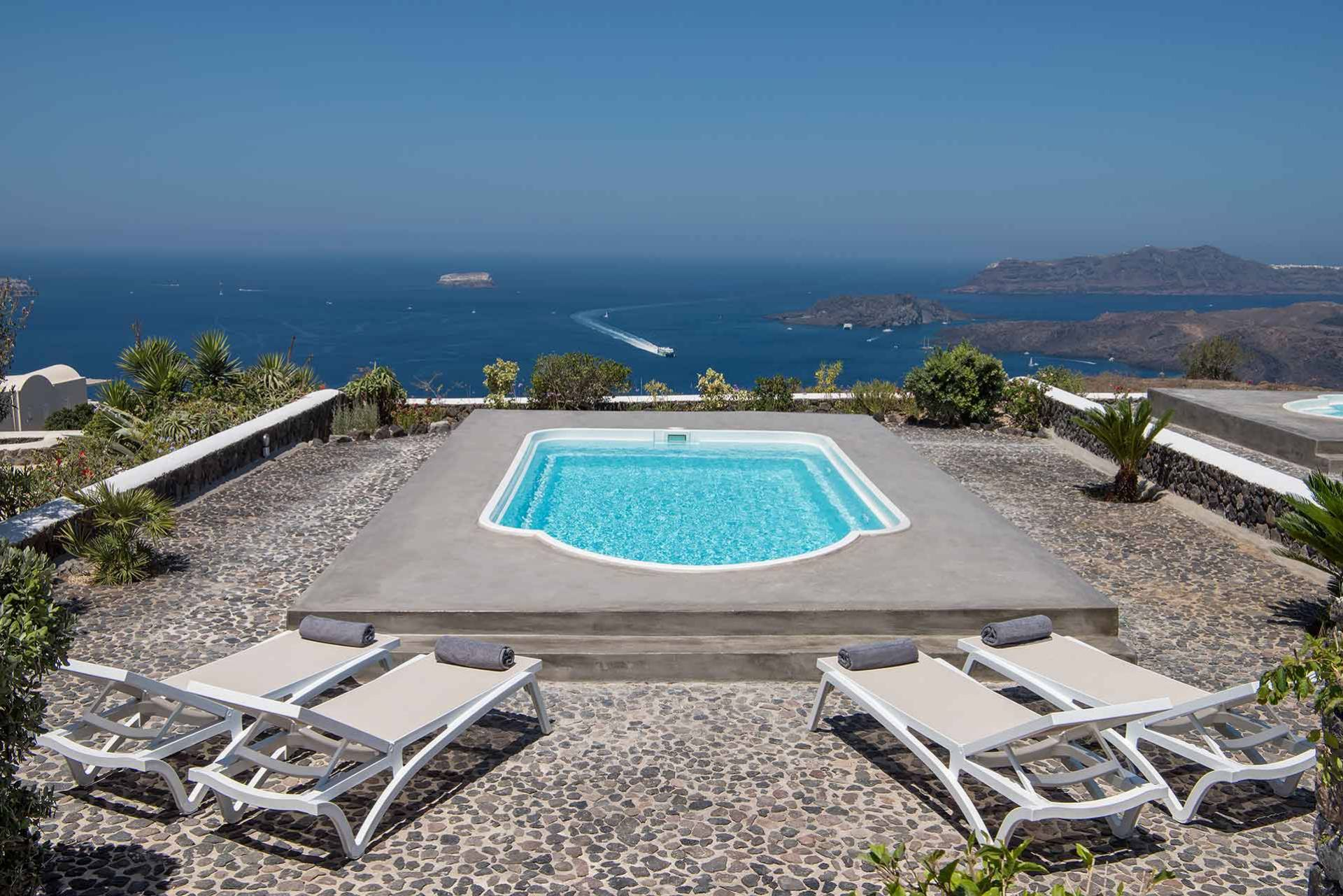 Santorini luxury villa Annick in Megalochori