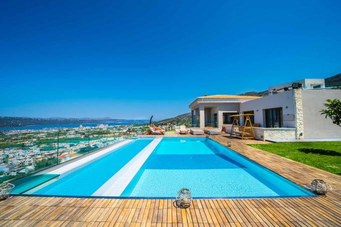 Crete luxury villa Helix in Tsikalaria