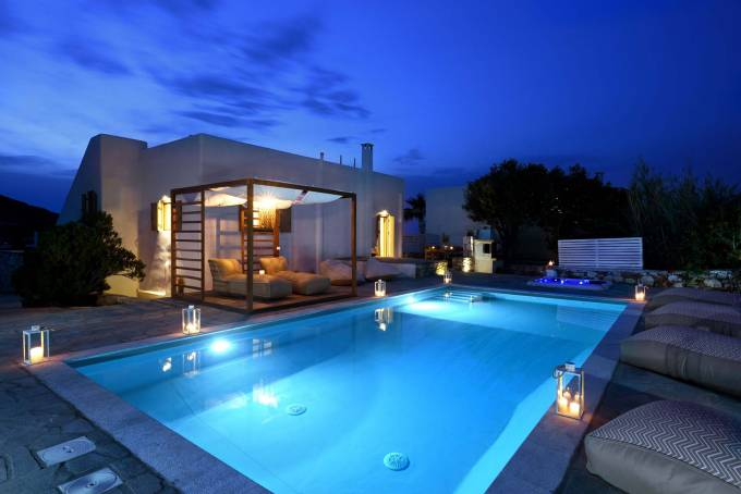 Paros luxury villa Aiolos in Ambelas