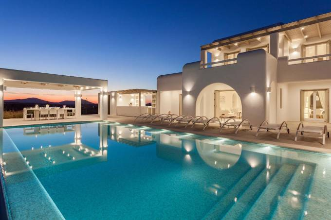 Paros luxury villa Splendor in Ambelas