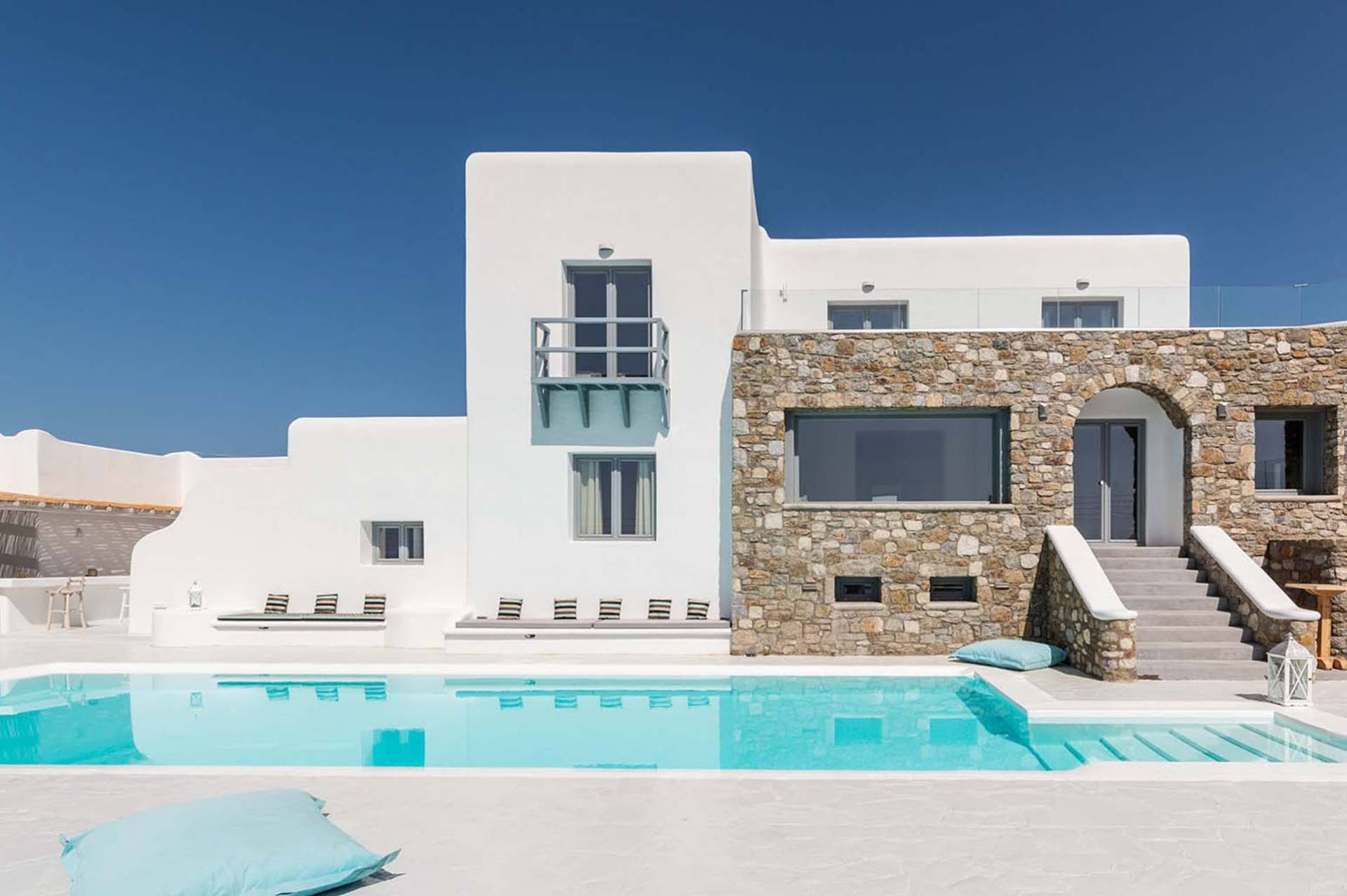 Mykonos luxury villa Ivory Grand in Agios Stefanos