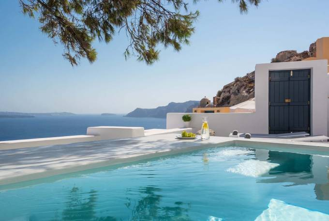 Santorini luxury villa Lucien in Oia