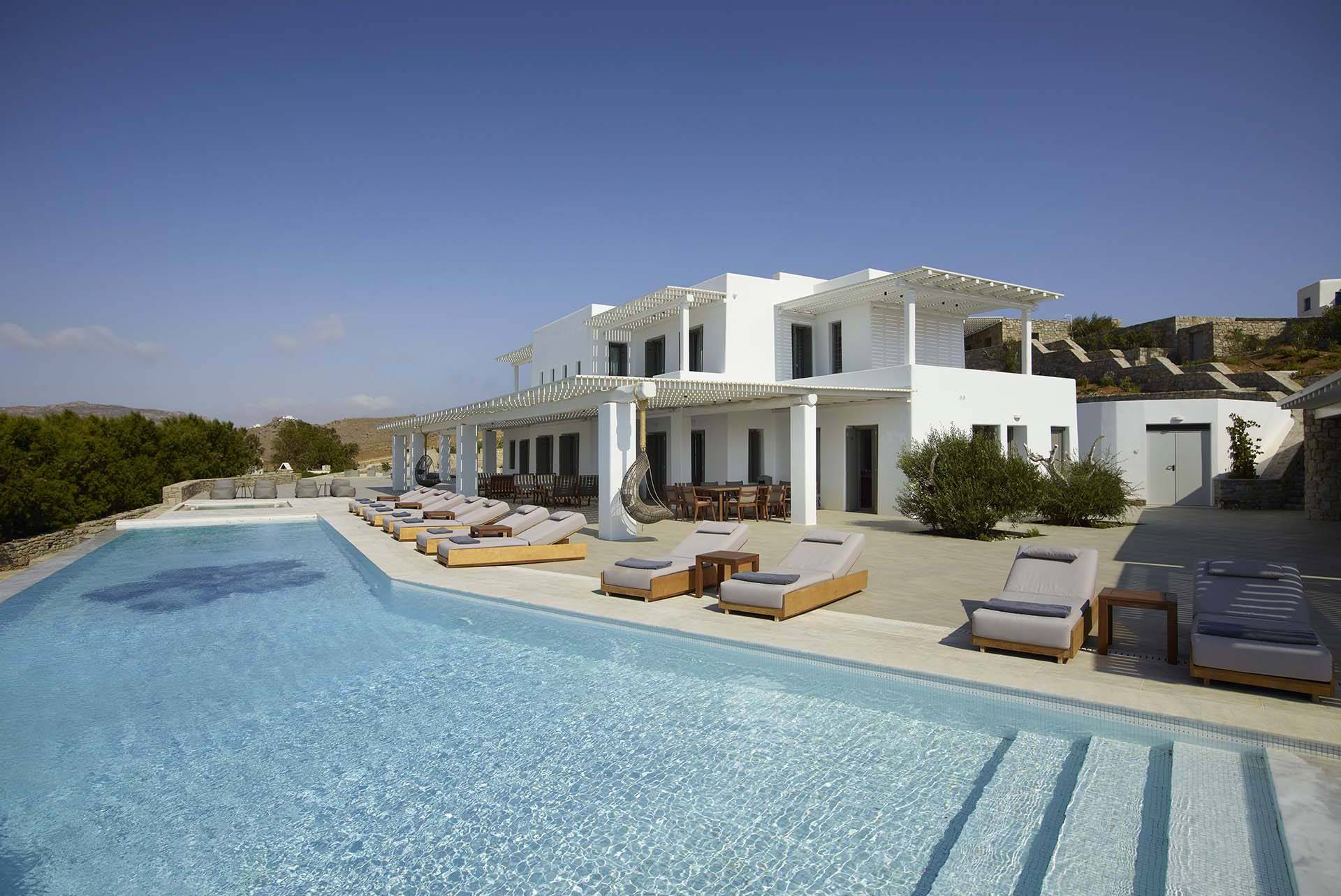 Mykonos luxury villa Aegean Resort in Kalo Livadi