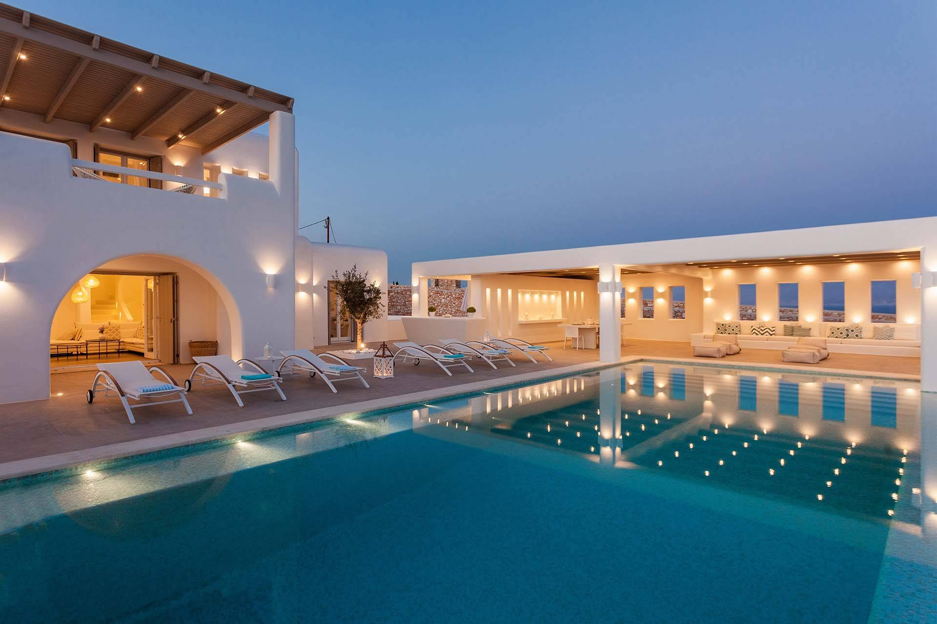 Paros luxury villa Majesty in Ambelas