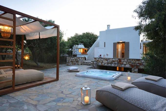 Paros luxury villa Avra in Ambelas